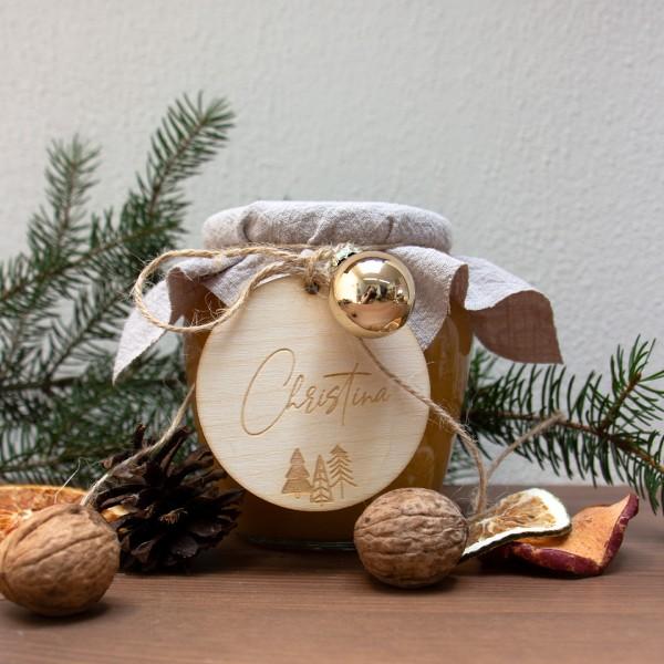 Anhänger | Boho Christmas | Wunschname mit kleinen Weihnachtsbäumen an einem Marmeladenglas mit Weihnachtsdeko