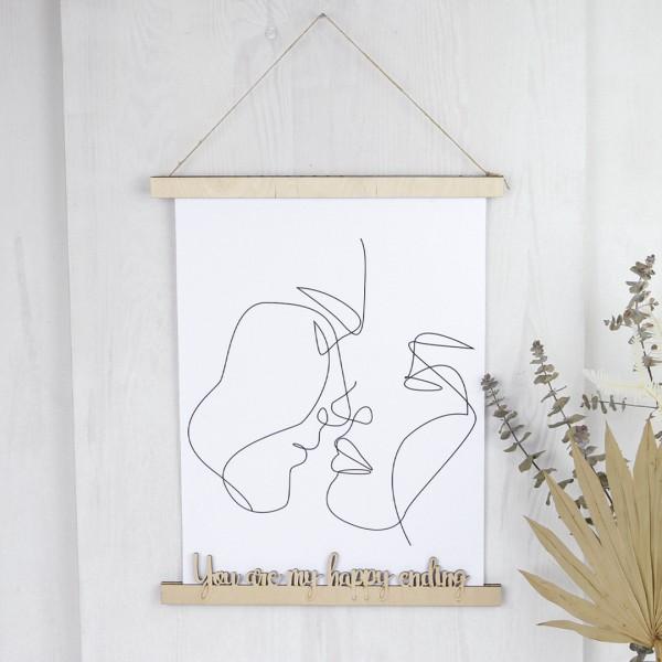 magnetische Bilderleiste aus Holz mit ausgeschnittenem Wunschtext in geschwungener Schrift, geeignet für bis zu A3 im Hochformat, zum aufhängen, hier mit Line Drawing als Beispiel