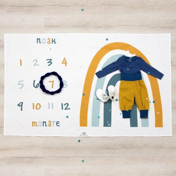 Meilenstein Decke Regenbogen - weiß/ blau  mit Name