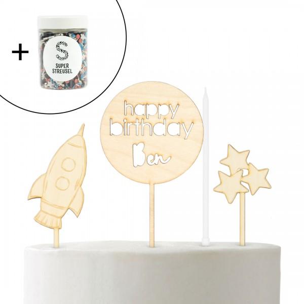 Set mit Cake Topper Weltall Rakete, Happy Birthday rund, Stern Milchstraße und Super Streusel Raketenpulver.