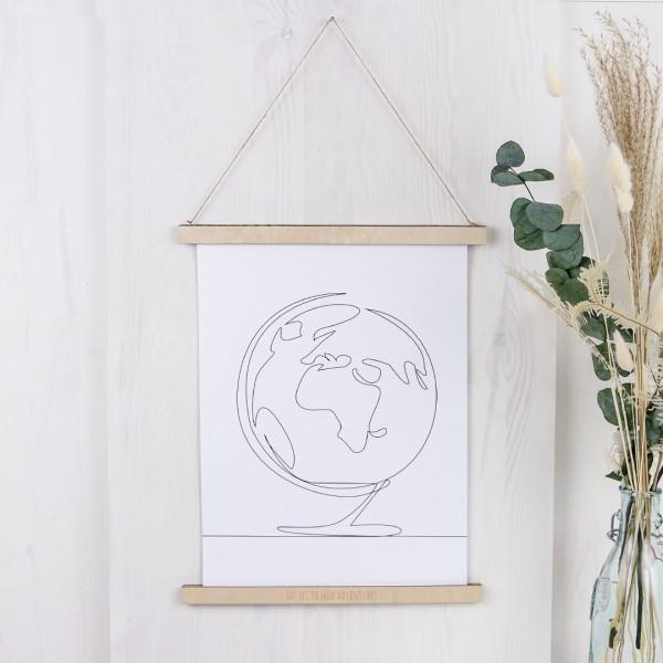 magnetische Bilderleiste aus Holz mit eingraviertem Wunschtext, geeignet für bis zu A3 im Hochformat, zum aufhängen, hier mit Line Drawing als Beispiel