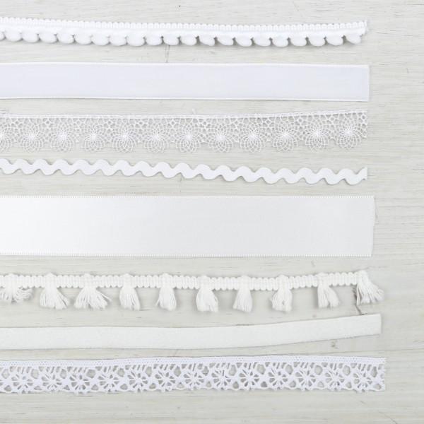 Bändermix in weiß aus verschiedenen Stoffen und Mustern