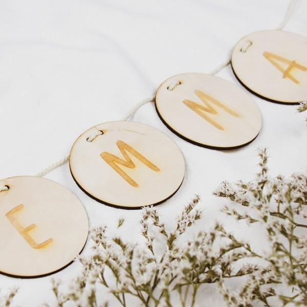 Wimpel - Buchstaben - Wunschtext, Buchstaben zu dem Namen Emma kombiniert