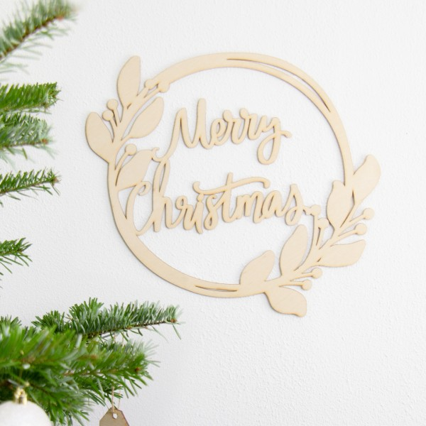 """Wandkranz """"Merry Christmas"""" an der Wand hängend"""