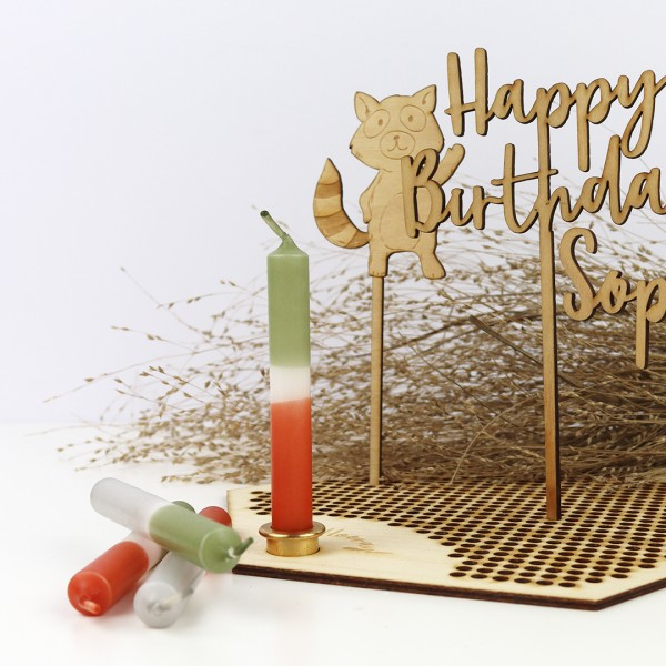 """Kleines Dip-Dye Kerzenset """"Forest"""", Holzplatte mit Kerzeneinsatz und Cake Topper Waldtiere Waschbär und Cake Topper Happy Birthday verspielt"""